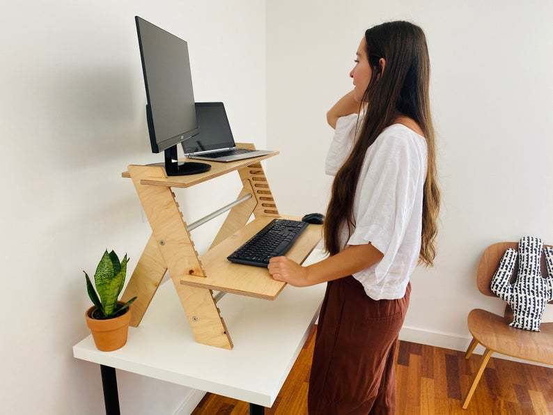 Minimal standing desk